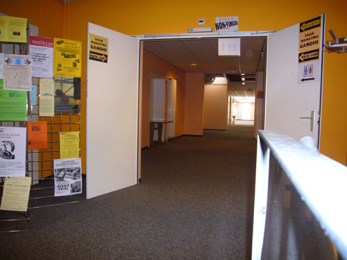 Couloir d'expositions (Immeuble 8bis Vieux Billard)